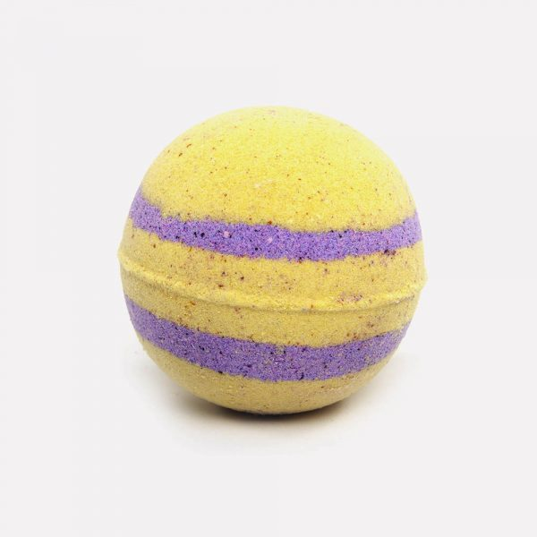 Relax candle and bath orange with purple bath bomb
