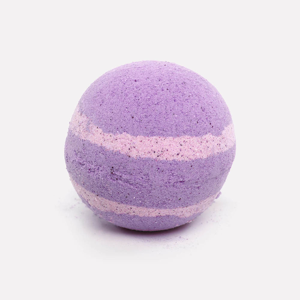Relax candle and bath fizzing lilac and purple bath bomb